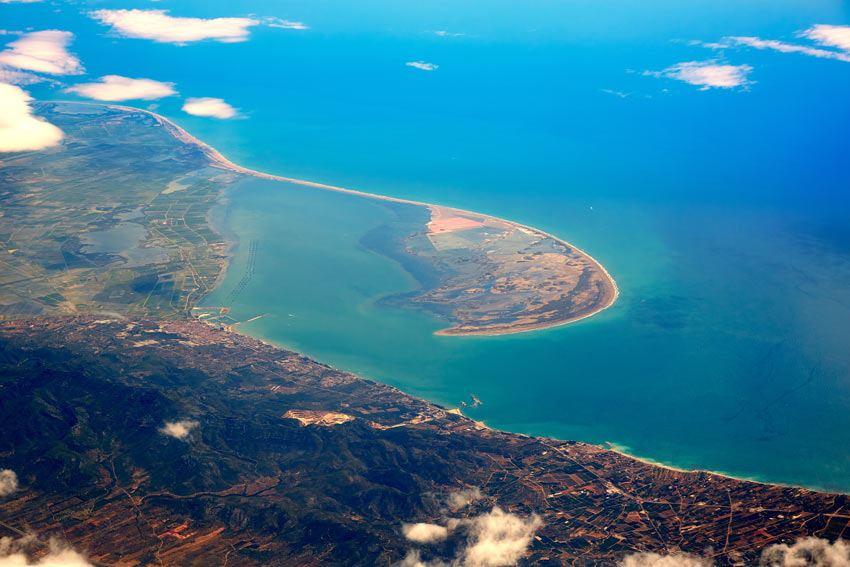 Vista-aerea-en-el-Delta-del-Ebro-y-punta-del-fangar.jpg