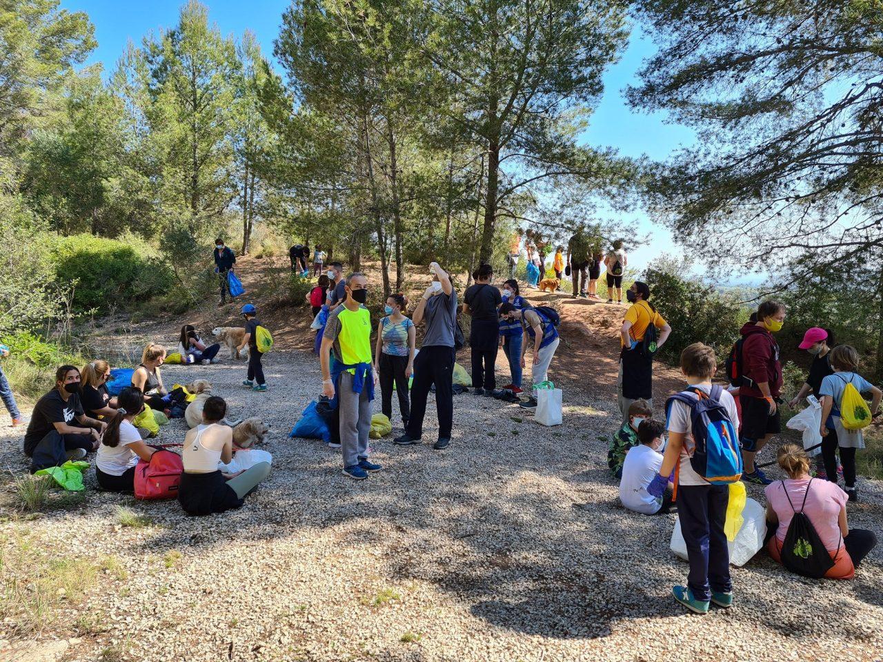 voluntariat-Camina-i-neteja-Castellvell-1280x960.jpg